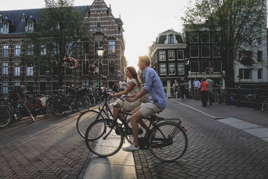 自転車保険 男女
